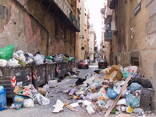 ナポリ ゴミ